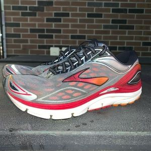 Brooks exercise running sneakers. Size 8M/6.5W